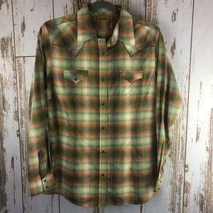 Wrangler Shirt, Brown Snaps, Size Medium.  F30